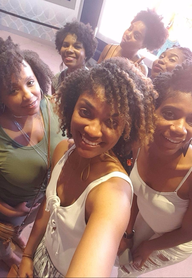 Naturalista moms showing what true beauty looks like