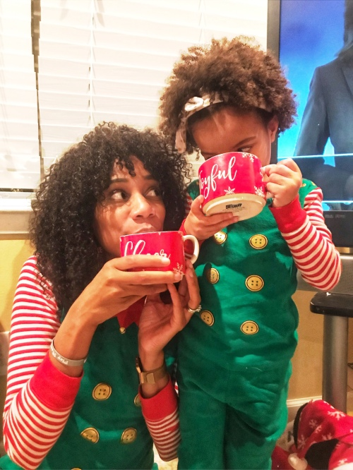 Wear your curls in their natural state this winter - Let it fro!! | Natural Hairstyles | Naturalistas | Natural Hair Care | Curly Hair Care | Curly Hairstyles | Mommy and Me | Christmas Photo | Mommy and Me photo