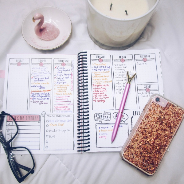A good planner can really show you what you feel is important. Minimalist living makes sure that your planner matches your REAL priorities ~ #minimalistlife #minimalistlifestyle #priorities