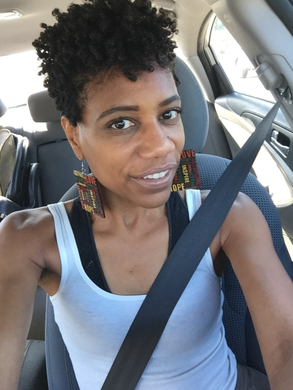 Many naturalistas start their journeys with a big chop. I was all about it, and then the big chop started growing out... #bigchop #curlyhair #curlyhaircare #naturalhaircare #naturalhairjourney