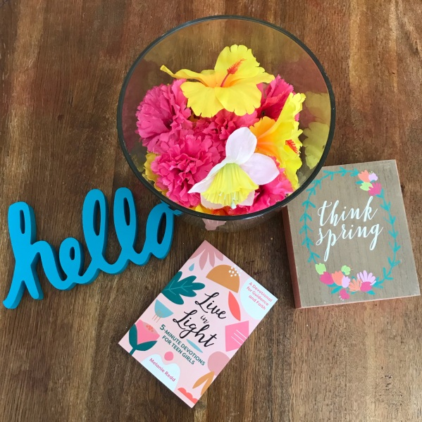 Floral Decor adds just the touch your home needs this spring. #springactivities #floraldecor #budgetfriendlyactivities #budgetfriendly #budget #kidsactivities #childrenactivities