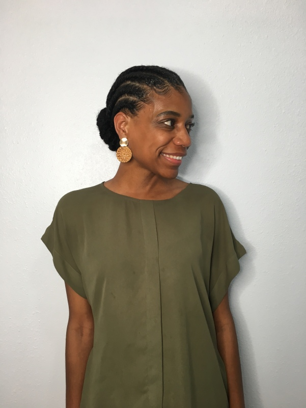 Flat twists are a great way to style your natural hair #naturalhairstyles #howtostylenaturalhair #naturalhair #curlyhairstyles #curlyhair #africanamericanhair #shorthairstyles #mediumlengthhairstyles #flattwists #haircare #naturalhaircare